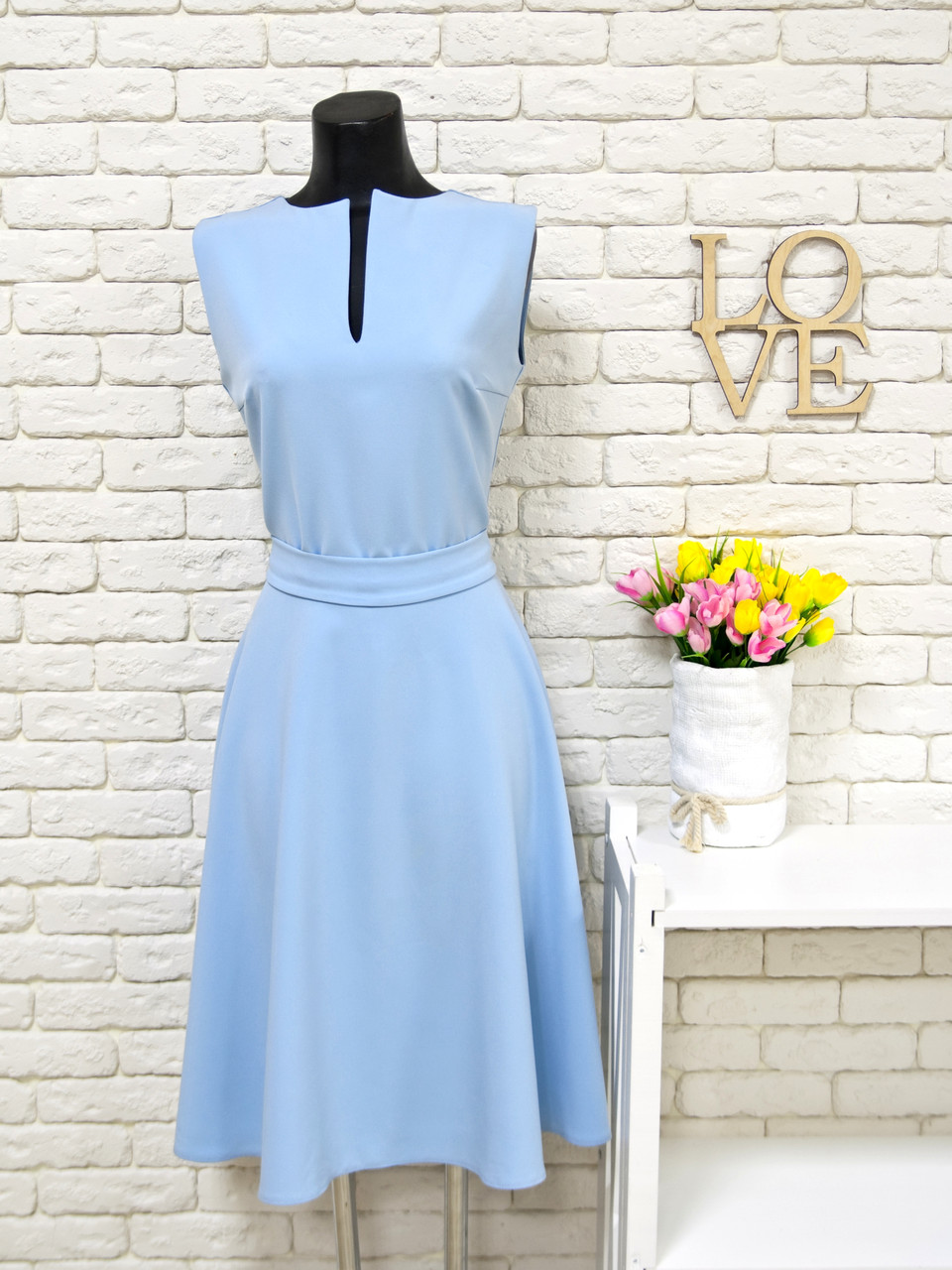 84a7b8b8366114c Платье голубого цвета из дорогой костюмной ткани с юбкой полусолнце -  Интернет-магазин одежды и