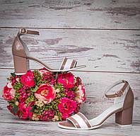 Лаковые женские босоножки на устойчивом каблуке