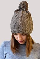 Стильная зимняя шапка с красивым узором вязки