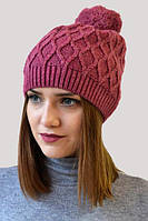 Женская акриловая шапка