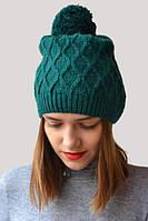 Зимняя теплая шапка с большим помпоном