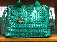 РАСПРОДАЖА  женская лаковая зеленая сумка хорошего качества лак всесезонка