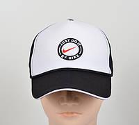 Бейсболка-тракер черно-белая