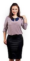Летняя женская блузка с абстрактным принтом