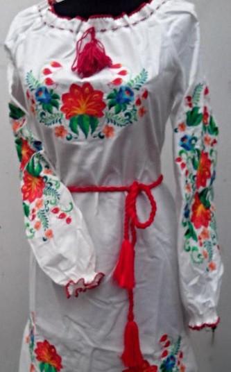 Женское платье вышиванка цветы