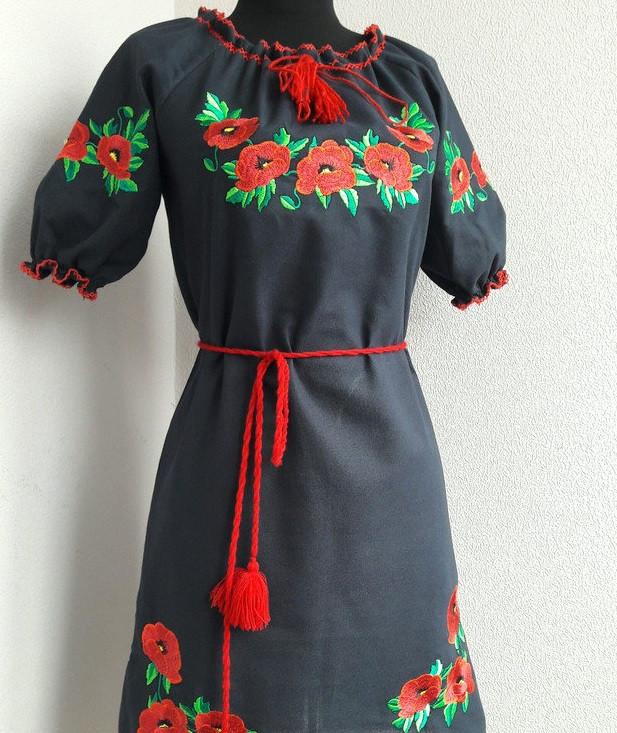 Вышитое платье черное короткий рукав