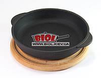 Чугунная порционная сковорода 16х3см на деревянной подставке 18см (бук) ЭКОЛИТ