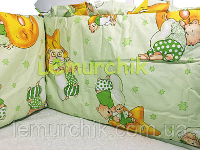 """Защита для детской кроватки 120х60 см, """"Мишки на луне"""" салатовая"""