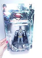 Супергерой фигурка Бэтмен 14см