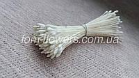 Японские тычинки. Белые каплевидные, супермелкие на светлой нитке.