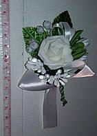 Свадебная белая бутоньерка
