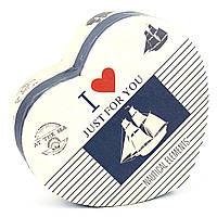 Подарочная коробка в форме сердца Парусник 13.5 x 11.5 x 6.2 см