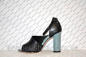 Босоножки на толстом устойчивом каблуке стильные черного цвета, фото 2