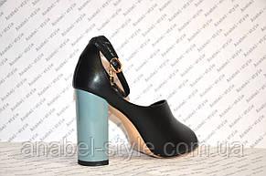 Босоножки на толстом устойчивом каблуке стильные черного цвета, фото 3