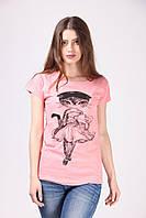 Женская футболка с кошкой