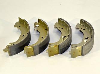 Барабанні гальмівні колодки (задні) на Renault Master II 1998->2001 - LPR (Італія) — LPR08440