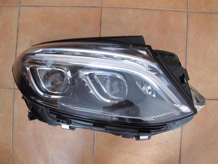 Правая фара Mercedes GLE-Coupe б/у