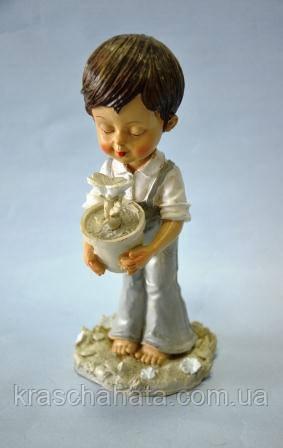 Статуэтка, Мальчик с цветком, Н 22 см, полистоун, Подарки и сувениры, Днепропетровск