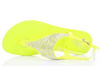Женскиевьетнамки жёлтого цвета