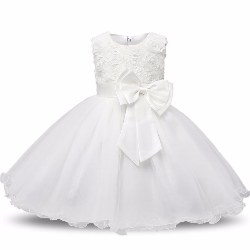 Нарядное платье  с объемными розочками белое для девочки на 1-2 года