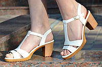 Босоножки женские на каблуке белые качественная искусственная кожа 2017. Экономия