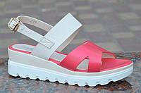 """Босоножки, сандали на платформе женские цвет белый, """"пудра"""", легкие, на пряжке. Экономия"""
