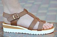 Босоножки, сандали на платформе женские коричневые легкие, на пряжке. Топ