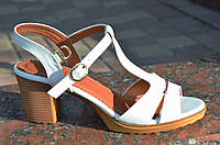 Босоножки женские на каблуке белые качественная искусственная кожа. Лови момент