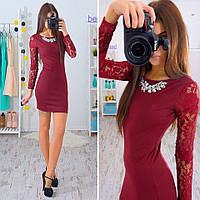 Платье с  украшением рукава гипюр в расцветках