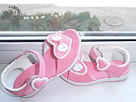 Детские босоножки на девочку розовые украшены бантиком ,очень красивые