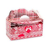 Подарочная коробочка бонбоньерка с сердцем красная
