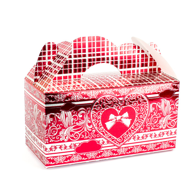 Подарочная коробочка бонбоньерка с сердцем