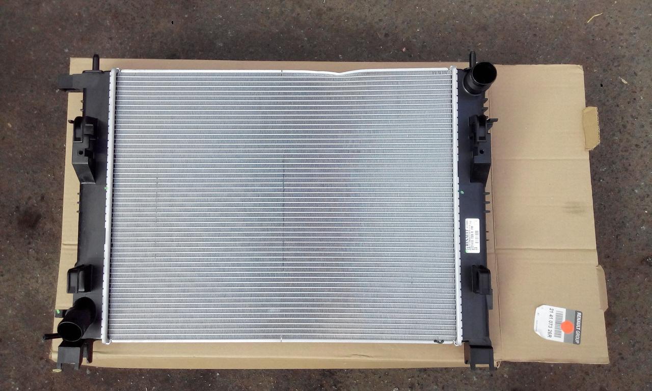 Радиатор охлаждения Рено Сандеро 13-