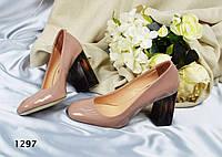 Туфли женские на широком каблуке лате