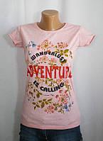 Женская стильная футболка с оригинальным декором