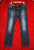 Прямые женские джинсы с ремнём