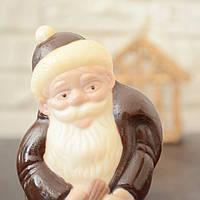"""Шоколадная фигура """"Дед Мороз с подарками"""" классическое сырье  Размер 40х180х87,вес 180гр ст.233"""