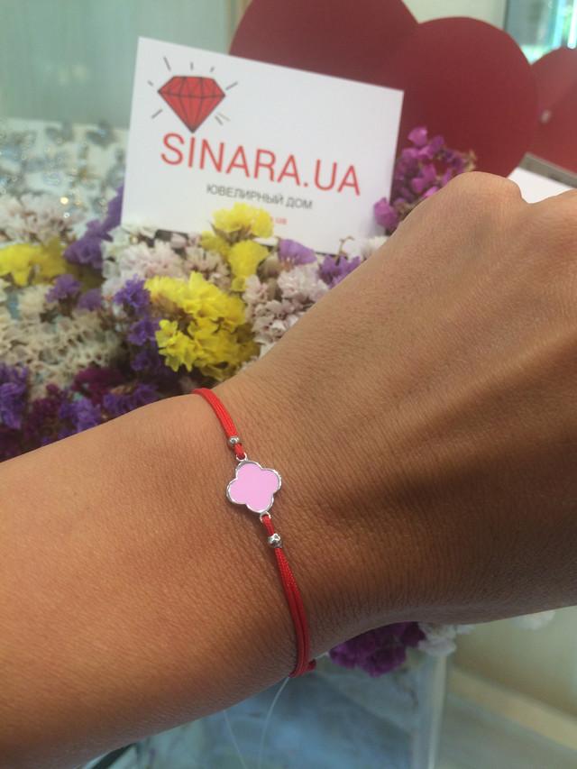 Браслет красная нить серебро клевер с розовой эмалью фото