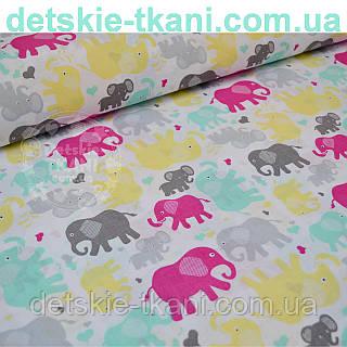 Ткань с цветными слонами: амарантовыми и серыми (№233)