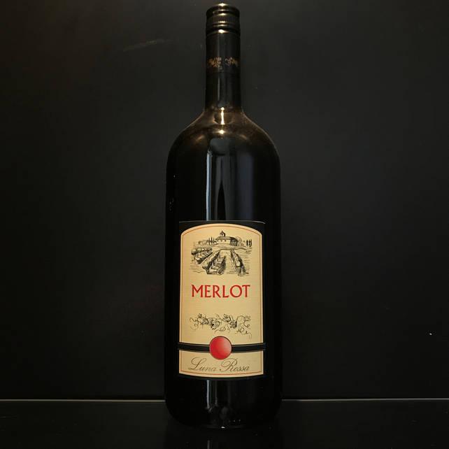 Итальянское сухое красное столовое вино Luna Rossa Merlot 1,5л