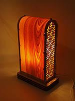Светильник из натурального дерева отделанный шпоном
