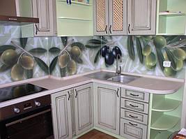 монтаж кухонного фартука  с фотопечатью на стену с помощью креплений, а маленькие панели на клей