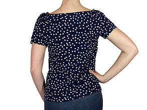 "Женская блузка с коротким рукавом и сборкой тм ""Tasani"" темно - синяя с сердечками, фото 2"