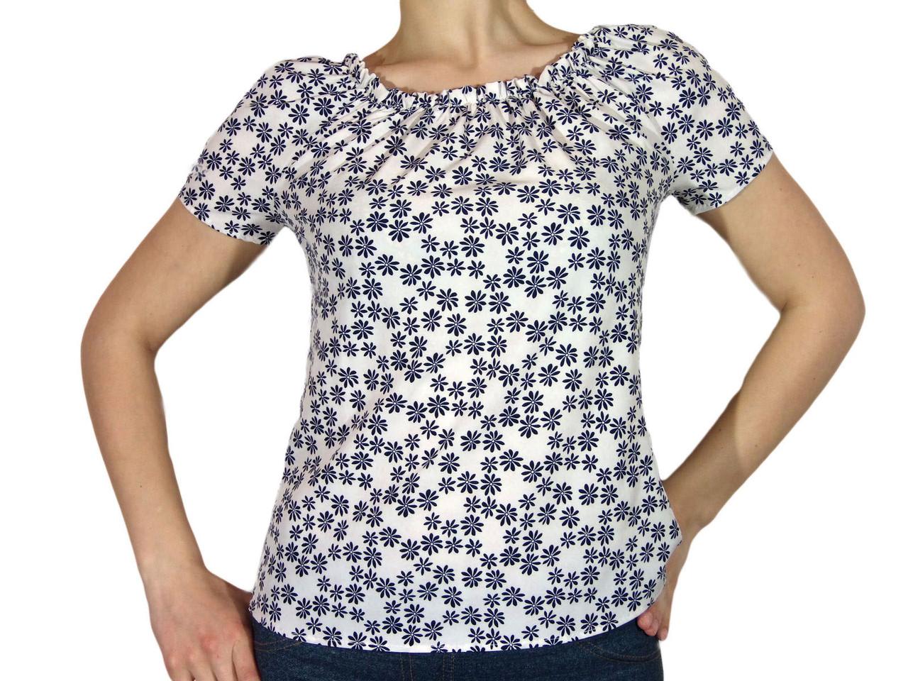 """Женская блузка с коротким рукавом и сборкой тм """"Tasani"""" белая +цветочный принт"""