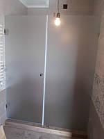 Душевая перегородка фронтальная из матового стекла (крепление двери на стену)