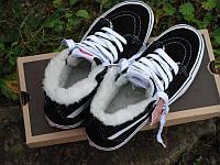 Зимние ботинки Vans Old Skool высокие унисекс черные с белым замша мех