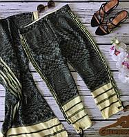 Актуальные укороченные брюки из 100% шелка с абстрактным принтом  PN1863