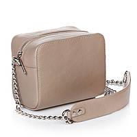 Женская сумочка из бежевой гладкой кожи