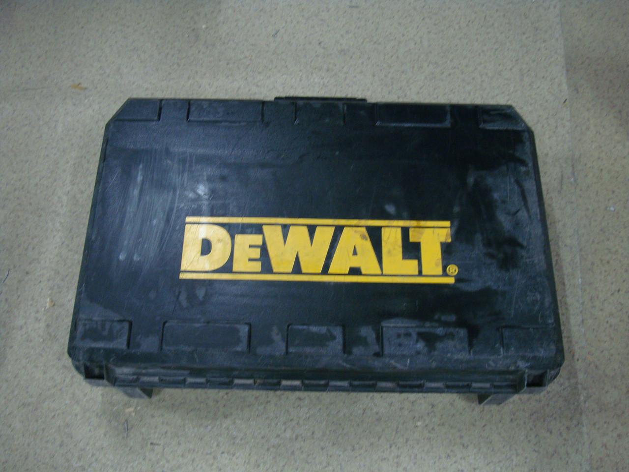 Отбойный молоток DeWALT D25600K