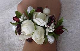 Браслет - бутоньерка в любом цвете с пионом